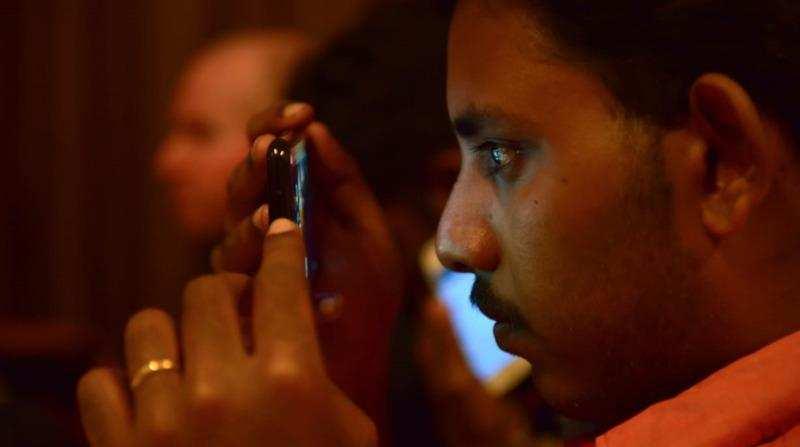 കാഴ്ച പരിമിതി നേരിടുന്നവര്ക്ക് ഉള്'കാഴ്ച'യ്ക്കായി 1000 സ്മാര്ട്ട് ഫോണുകള്