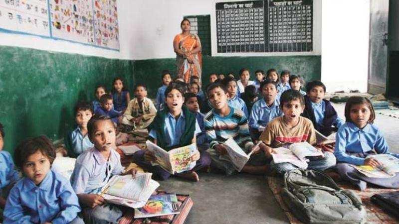 സാമ്പത്തിക മാന്ദ്യം: സ്കൂള് വിദ്യാഭ്യാസ ഫണ്ട് വെട്ടിക്കുറച്ച് സര്ക്കാര്