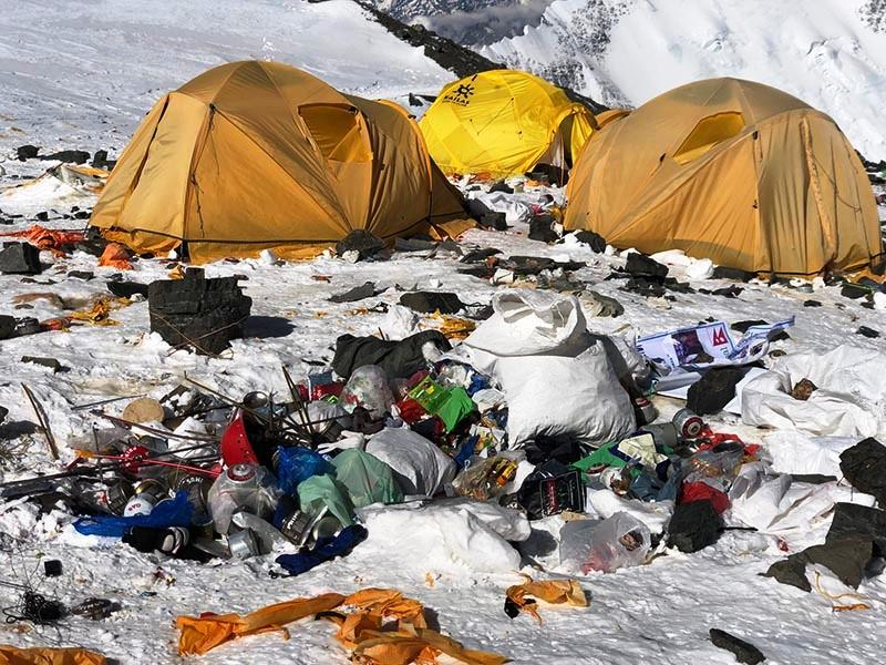 Recycling wastes from Everest