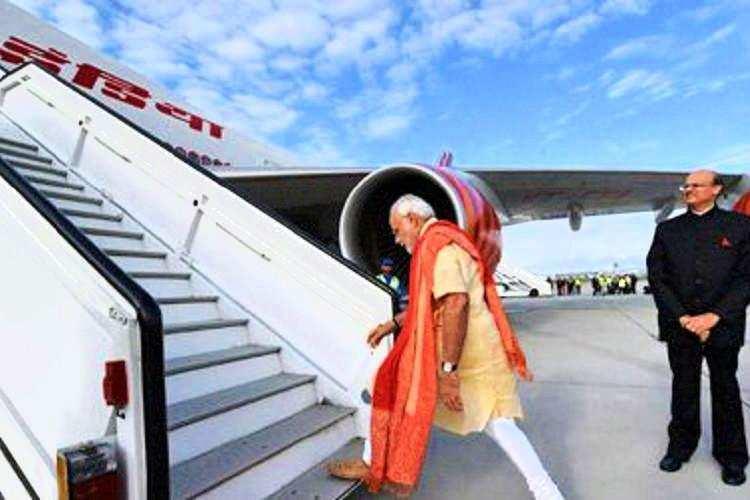 83 ദിവസത്തിനുശേഷം പുറത്തിറങ്ങി നരേന്ദ്രമോദി; ആദ്യയാത്ര ബംഗാളിലേക്ക്